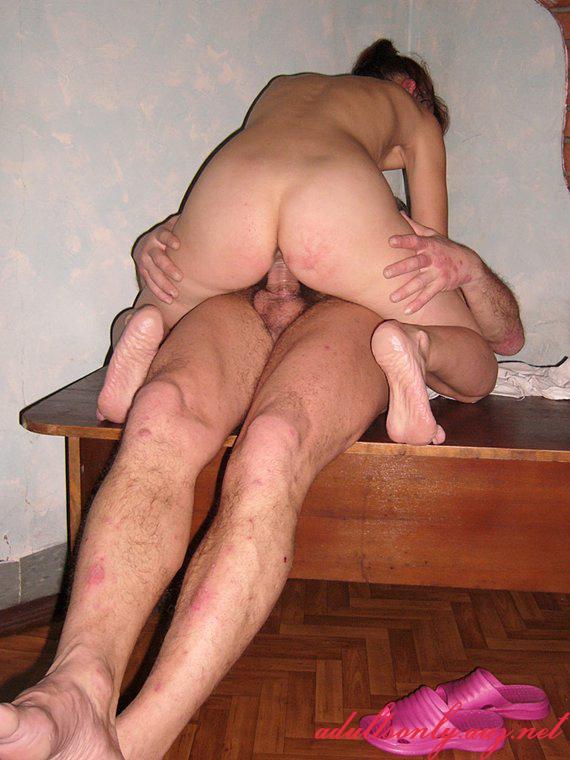 dami-v-chulkah-bele-porno